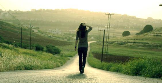 Camminare rigenera il cervello, allevia la tristezza e lo stress