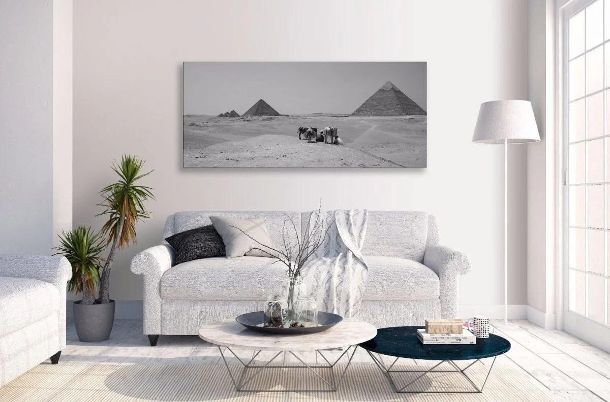 È infatti possibile accostare pareti chiare sia a mobili di colore molto scuro. Color Bianco