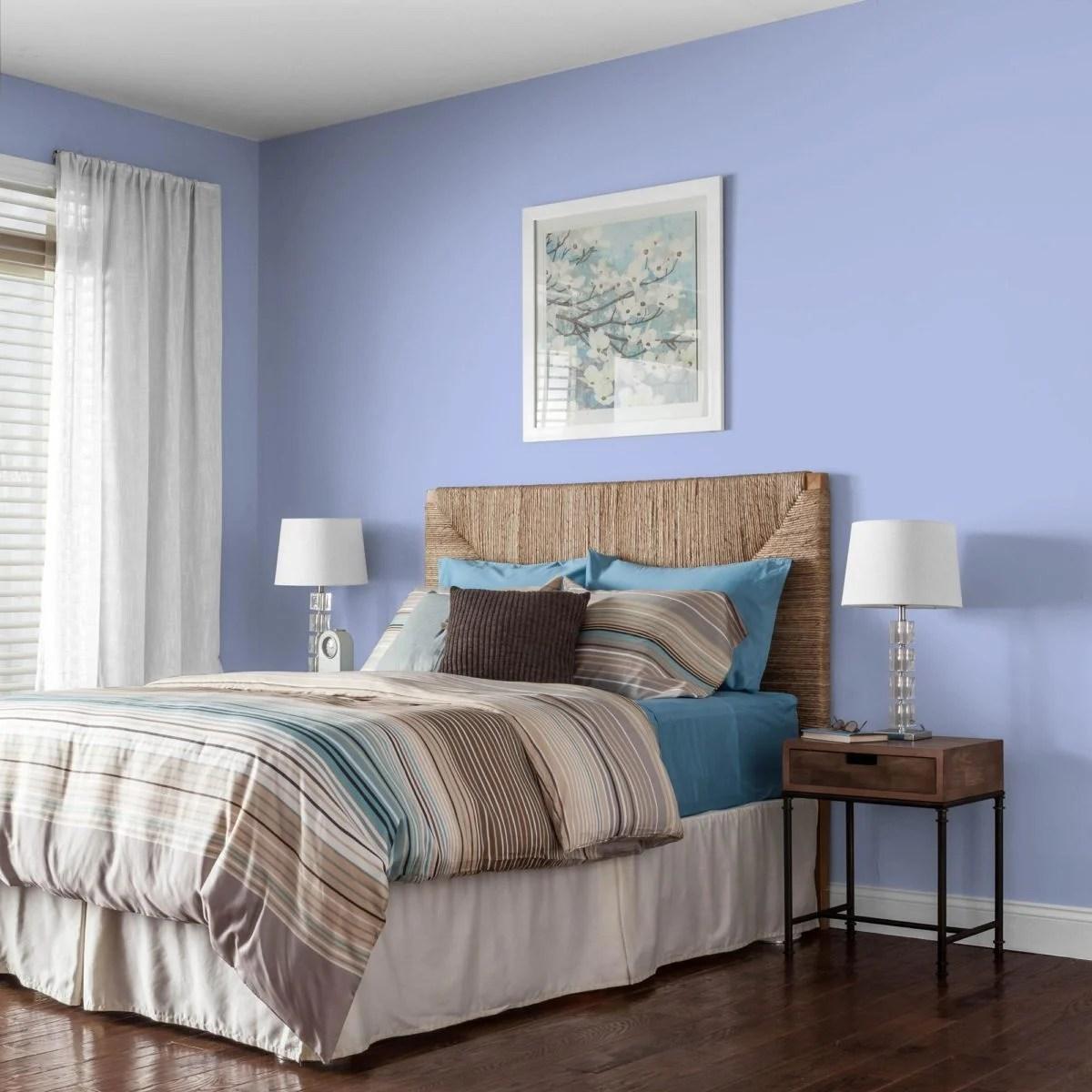 La stanza ha una forma particolarmente lunga e. Colori Rilassanti Per Camere Da Letto