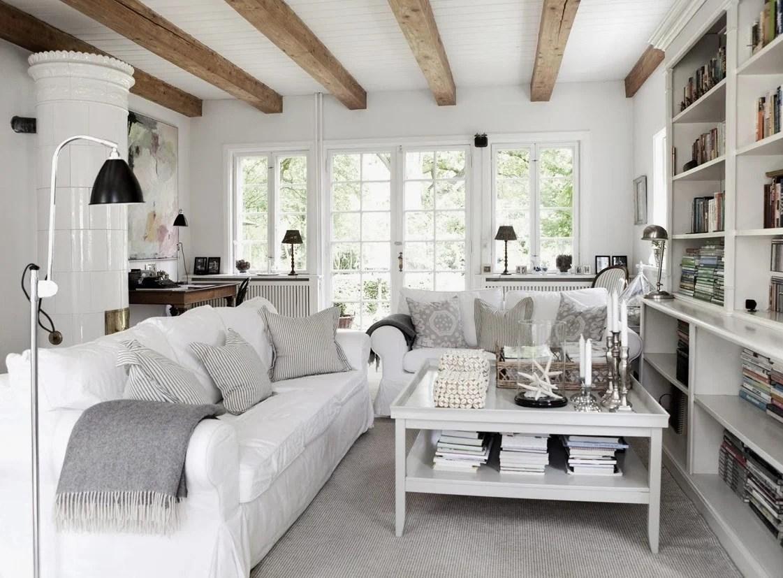 I mobili in stile shabby chic non devono avere una forma ben precisa. Come Realizzare Uno Stupendo Soggiorno In Stile Country Chic