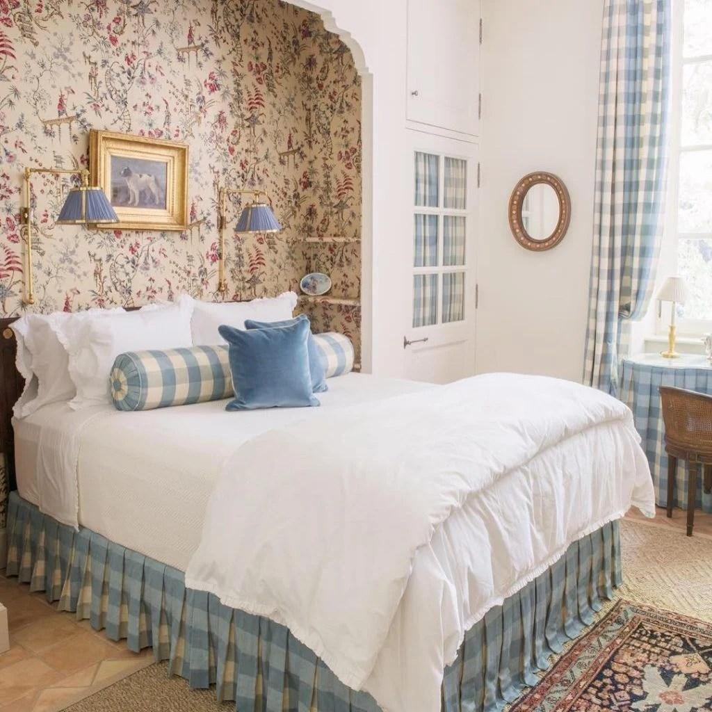 Il color lavanda è uno dei caratteristici colori dello stile provenzale. Le Idee Piu Attraenti Per La Camera Da Letto Provenzale