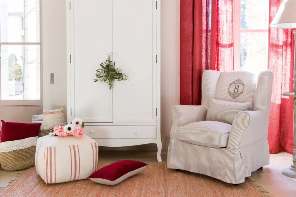 Sedie, divani, poltrone, libreria, arredo bagno, lampadari, plafoniere, lampade, scrivania, sedie ufficio avvisami. Maisons Du Monde Poltrone Collezione 2020