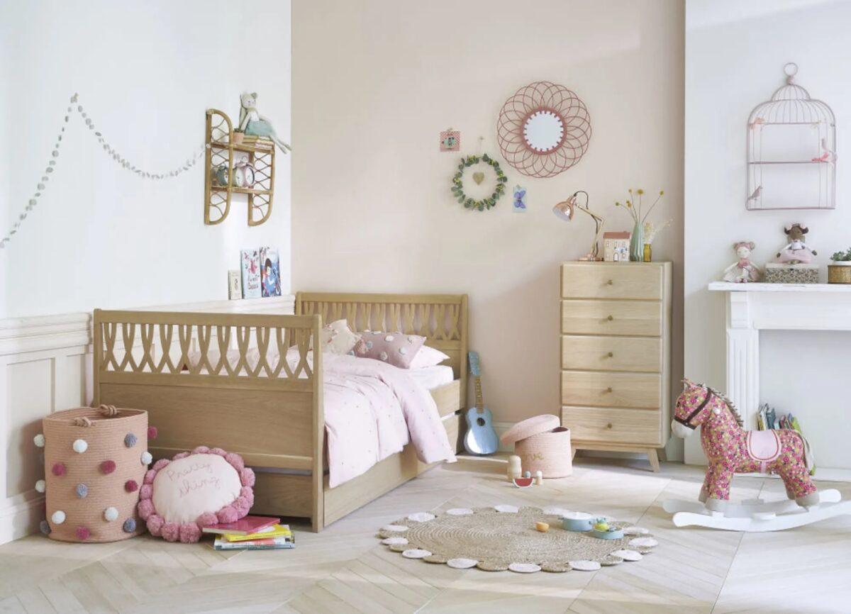 Para llevar a cabo tal cantidad de diseños, maisons du monde es una de las únicas marcas que posee su propio estudio de estilo.a lo largo del año, un equipo de estilistas recoge las tendencias por todo el mundo para crear unas exclusivas colecciones de. Maisons Du Monde Catalogo Junior 2021