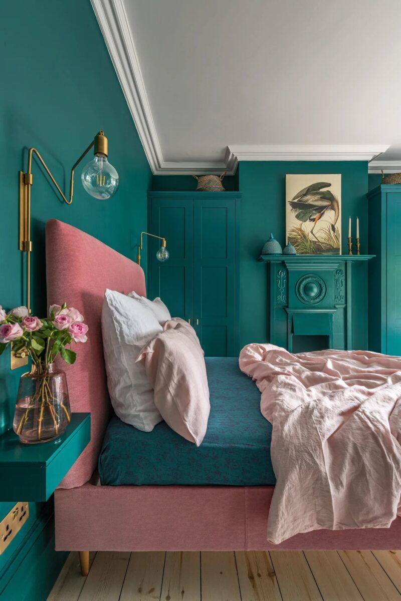 camera da letto colore petrolio colore molto intenso , il petrolio rimane una tinta che può benissimo Camera Da Letto Con Pareti Verde Smeraldo