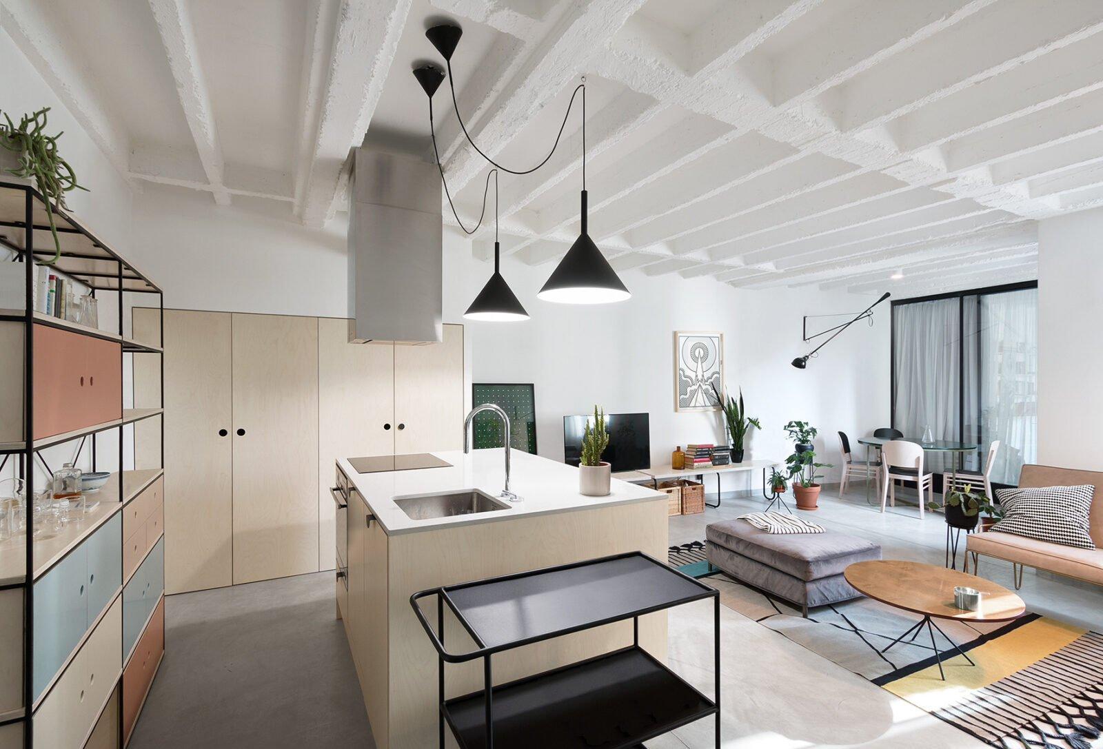 Si vende già arredato appartamento di 60 mq al piano terra in corso savona 267, formato da: 15 Open Space Da 60 A 100 Mq Da Realizzare Utilizzando Pochissimi Elementi