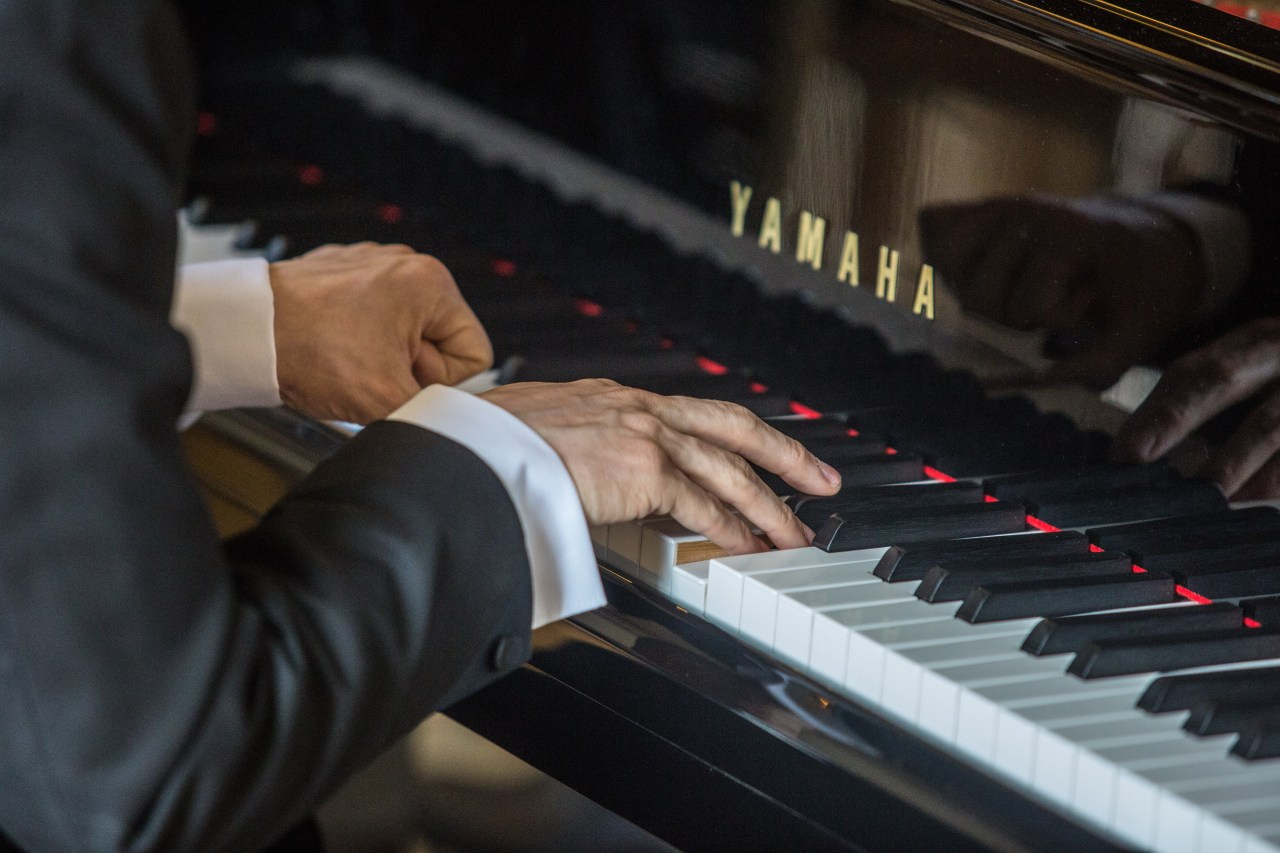 What is the pianistic tone?