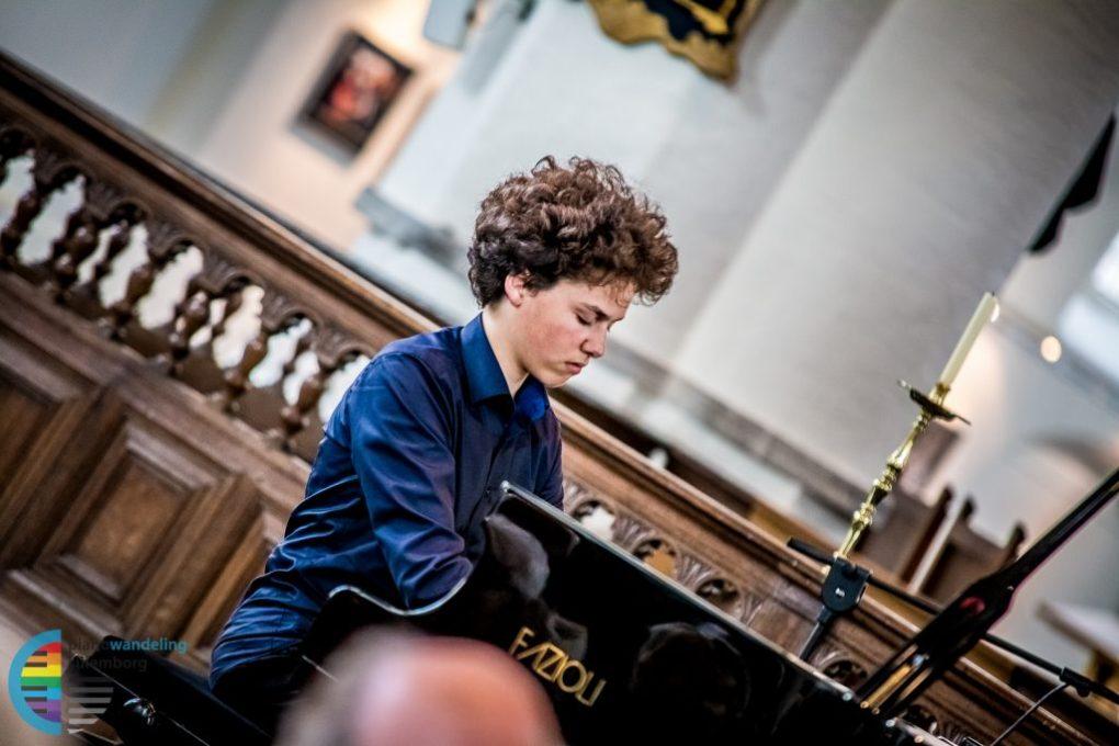 Nikola Meeuwsen tijdens het slotconcert - Pianowandeling Culemborg 2017 © John Verhagen