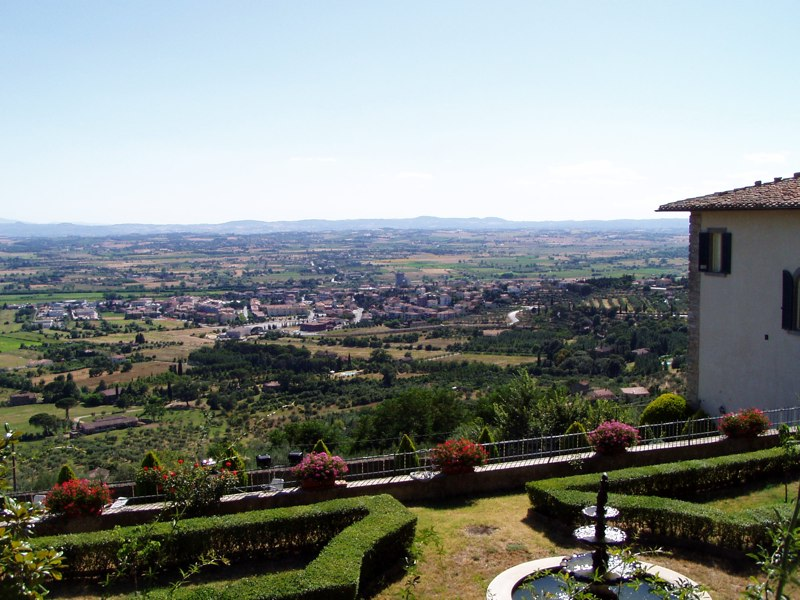 Million dollar view in Cortona, Italy July 2007