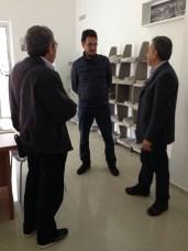 Il primo lettore è stato lui: Massimo Mudoni, guida turistica di Alezio (al centro)