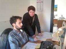 Il grafico Emiliano Picciolo insieme alla corrispondente Maria Cristina Talà