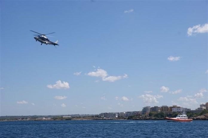 elicottero carabinieri in volo
