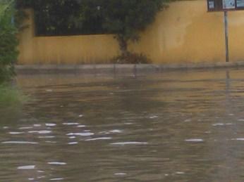 Baia verde allagata dopo il temporale di Nadia Antonaci