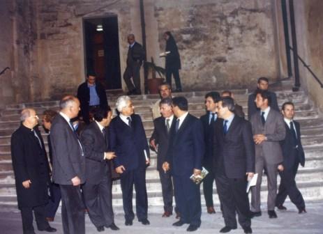 Mattarella tra Claudio Casciaro (a sinistra) e Rocco Rizzello