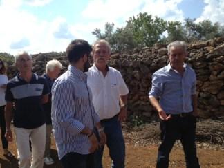 Da destra Enzo Manni, cooperativa Acli di Racale e l'europarlamentare del gruppo Verdi José Bové