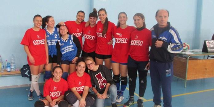Volley-femminile-le-ragazze-e-Giorgio-Carratta