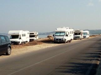Camper in riva al mare, litoranea Nord