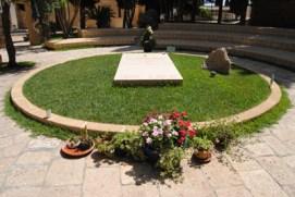 Alessano - la tomba di don Tonino Bello