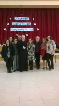 Agata Bruno e don Santo insieme ai volontari