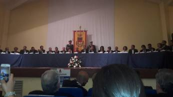 Mons. Angelo De Donatis, la cerimonia in Consiglio comunale (foto Facebo...