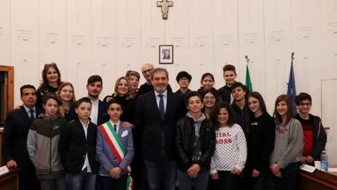 Il Consiglio comunale dei ragazzi (foto Pejrò)