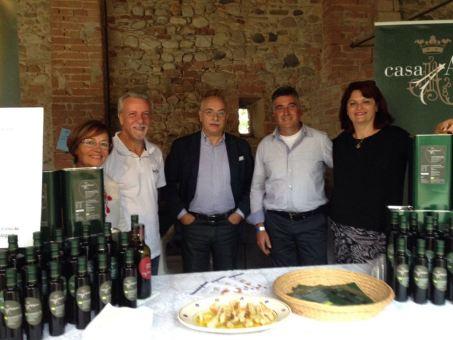 Giuseppe Izzo (al centro)