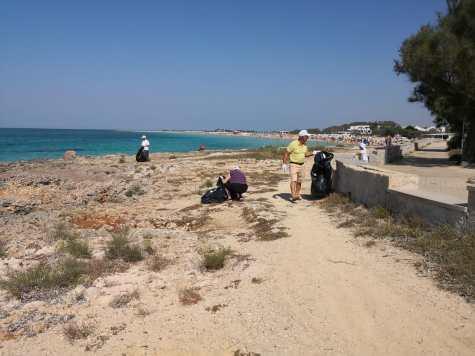 Lido Marini, pulizie del litorale