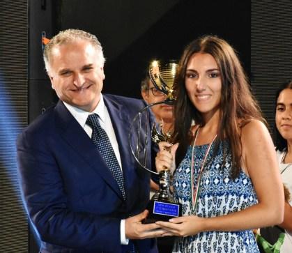 Raffaella Nicolazzo premiata dal sindaco Toma