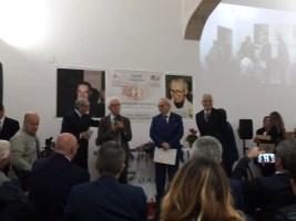 Da sinistra il vicepresidente De Rinaldis, Tonio Tondo e il sen. De Giuseppe (ultimo a destra)