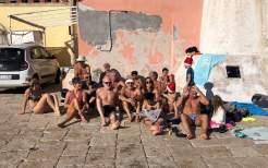 Tuffo in mare a Natale Tricase Porto 3