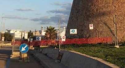 Il cantiere intorno alla torre, a Torre Mozza