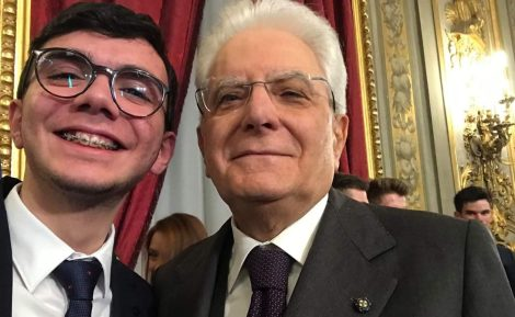 Il selfie di Davide con Mattarella