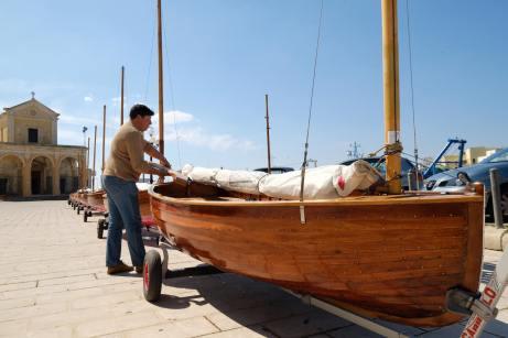 Le imbarcazioni in città, in attesa della regata