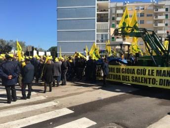 Manifestazione Coldiretti sotto il palazzo della Regione