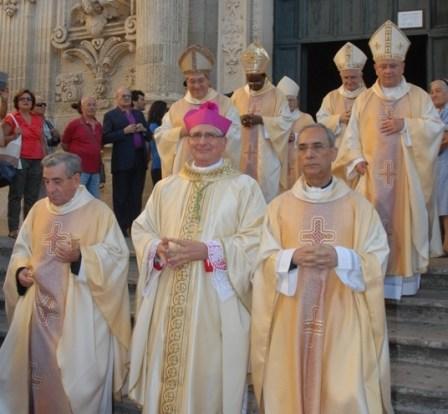 Da sinistra mons. Gino Luperto e il vescovo Filograna
