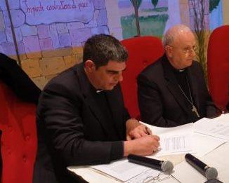 Don Stefano Ancora e mons. Vito Angiuli