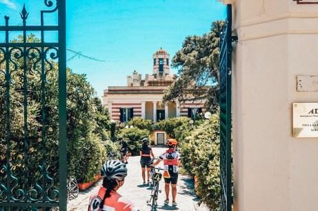 Leuca, turisti in bici per Ville in festa
