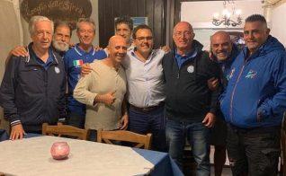 La Nazionale italiana col presidente del circolo della vela, Bartolo Ravenna