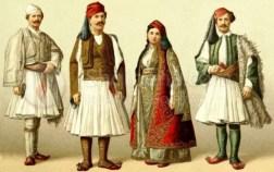 A destra l'abito tradizionale Fustanella