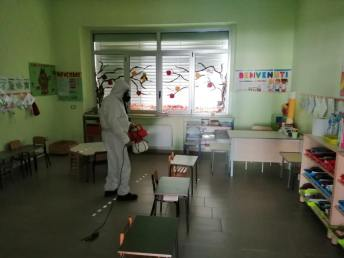 Sannicola, la sanificazione nella scuola dell'Infanzia