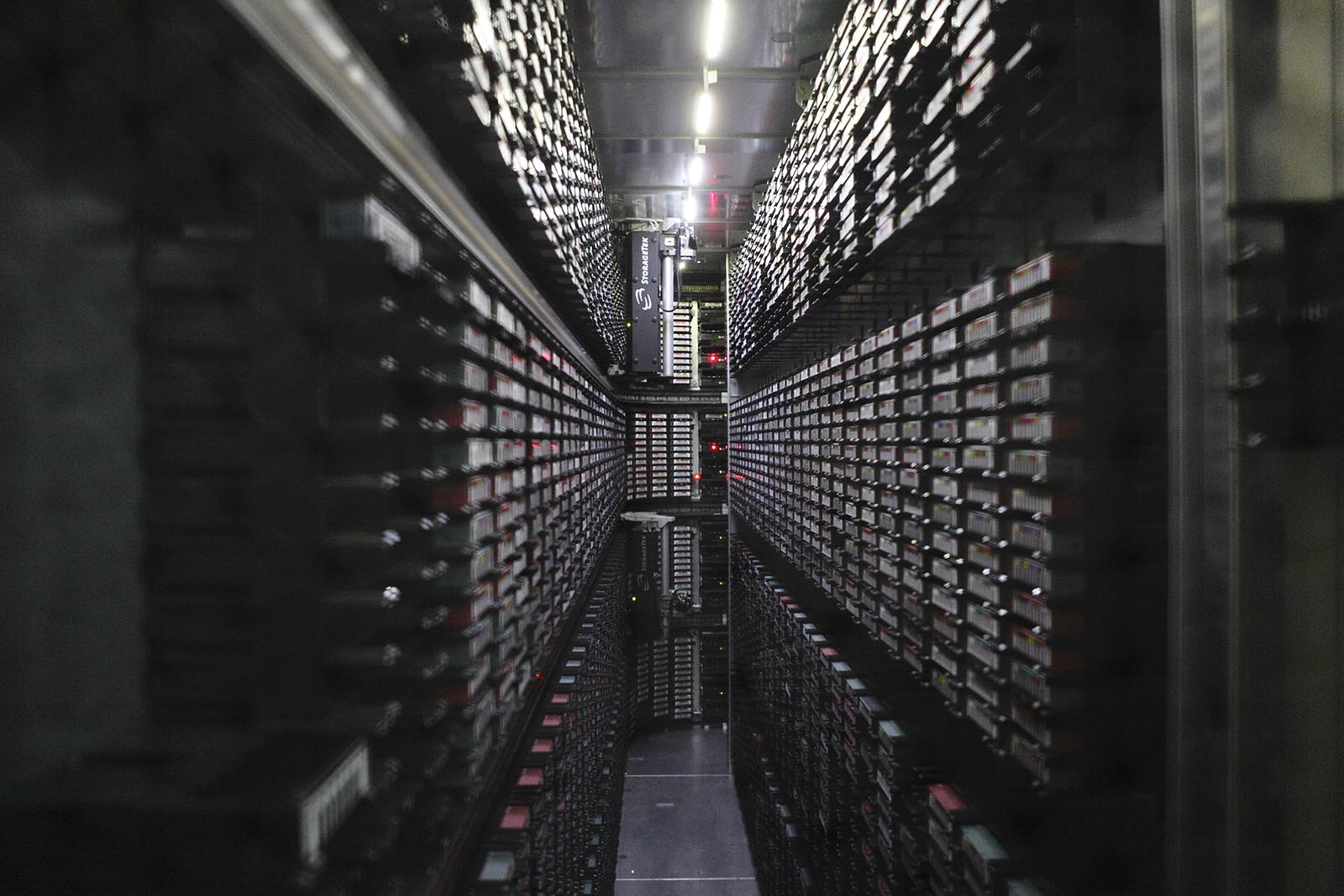 StorageTek SL8500