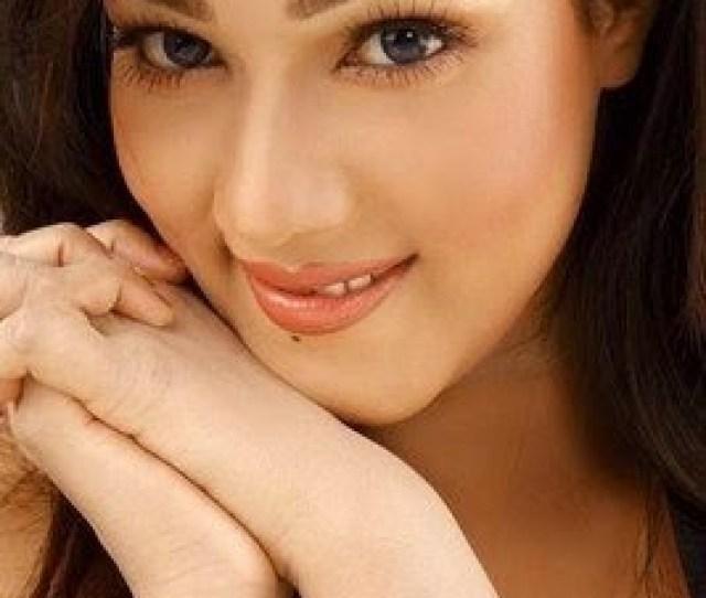 Mahiya Mahi Bengali Top Hot Sexy Model Photo Wallpaper