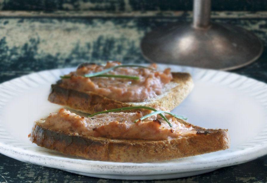 Bruschette sfiziose con salsiccia