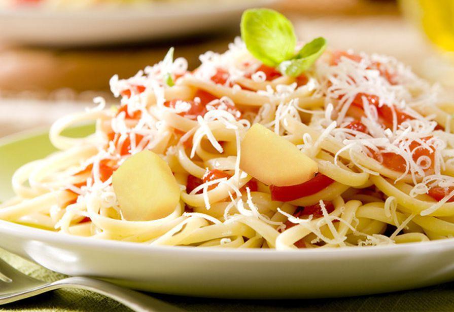 Linguine patate e ricotta salata