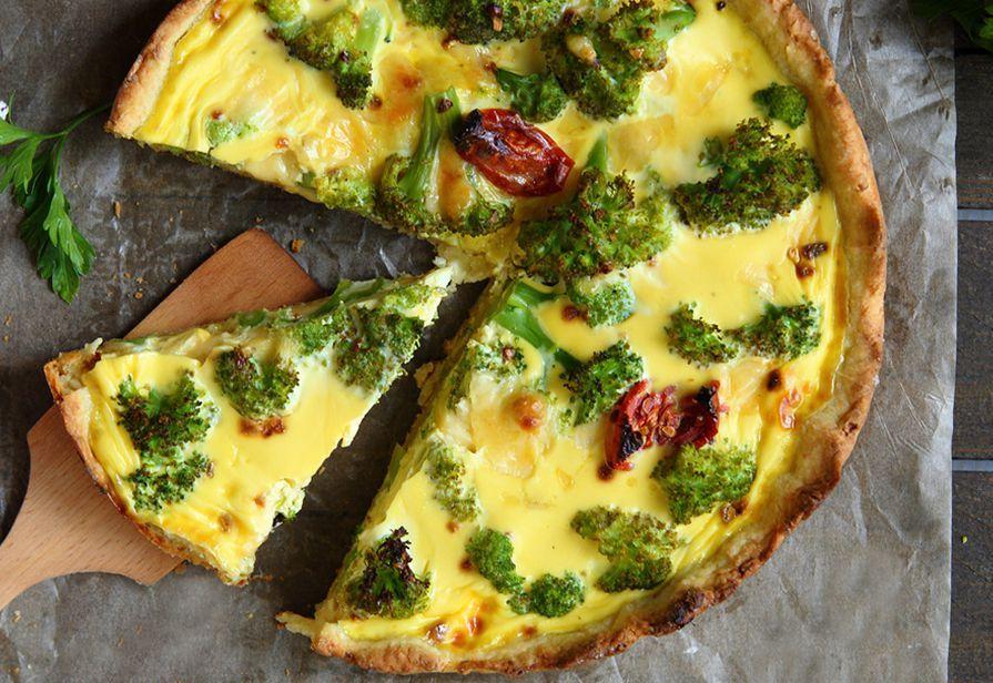 Torta salata con broccoli e taleggio