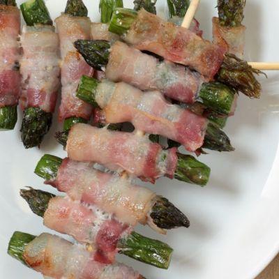 Spiedini di asparagi e bacon