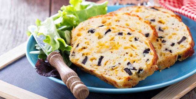 Plumcake salato olive e formaggio