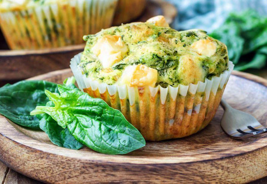 Muffin salati agli spinaci e feta