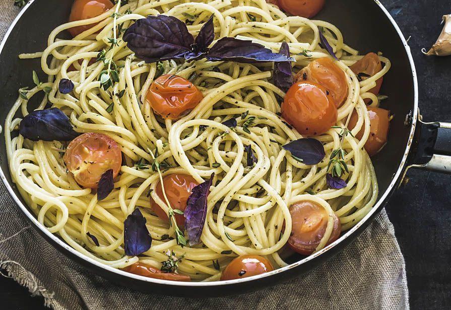 Spaghetti con aglio arrosto