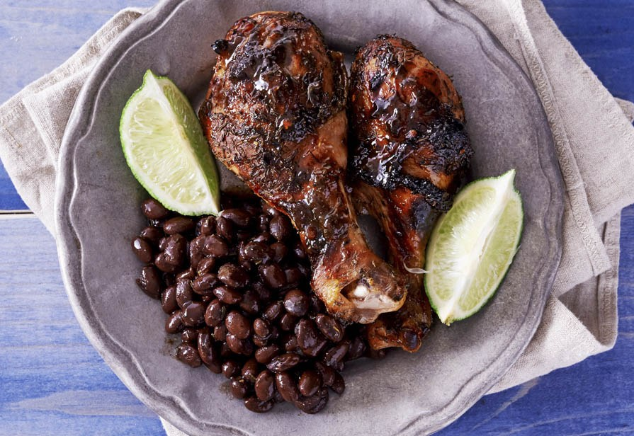 Pollo e fagioli alla salsa barbecue