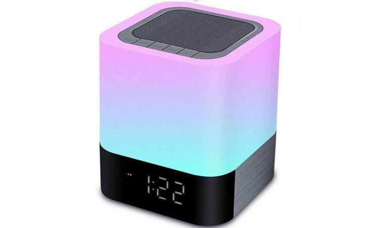Il display è ad alta definizione e regolabile in ben 70 modi colore. Migliore Sveglia Digitale Da Comodino Piccoli Elettrodomestici